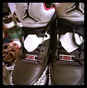 Jordan son of mars low 7y boys/8.5 womens